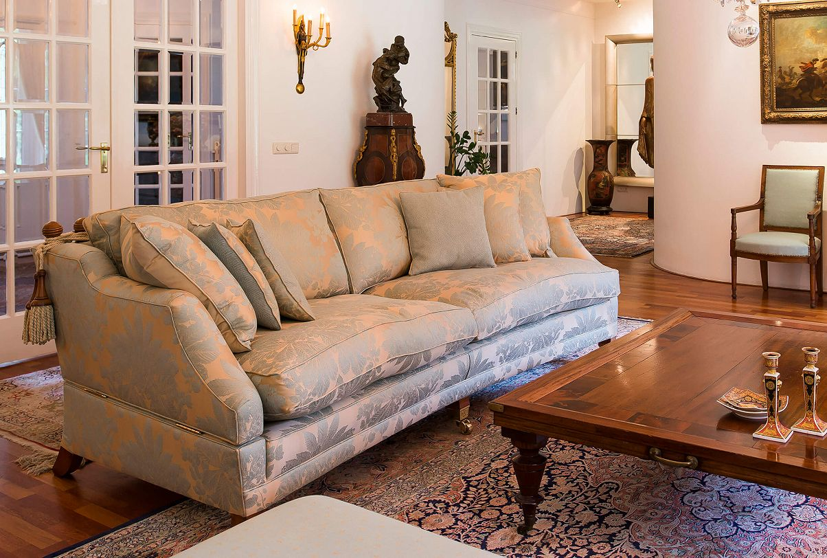 Hornblower sofa